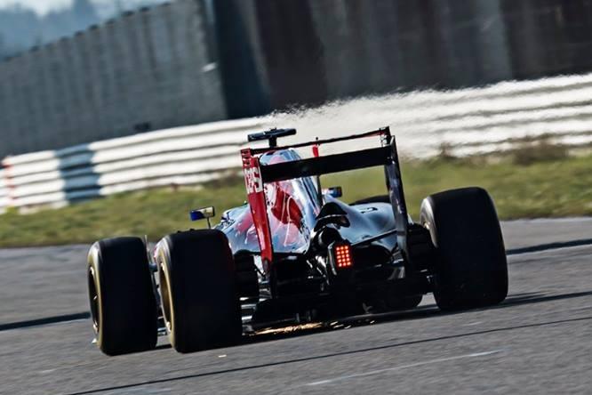 Toro-Rosso-STR10-2015-2